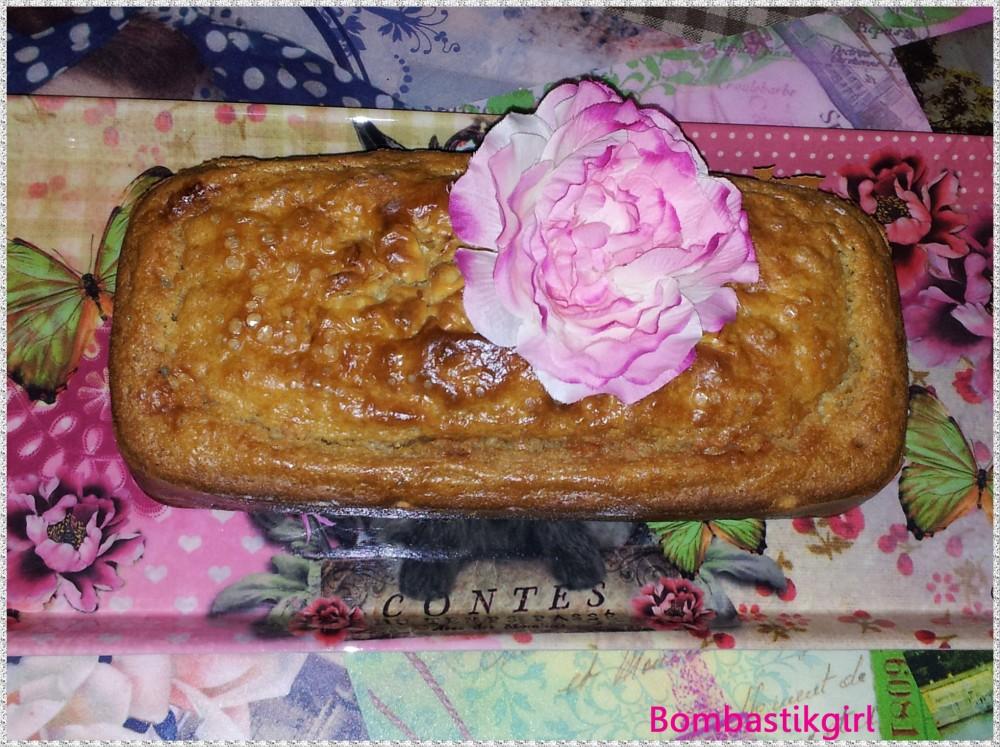 *** Ma première recette sur ce blog : cake au confit d'oignon et gorgonzola